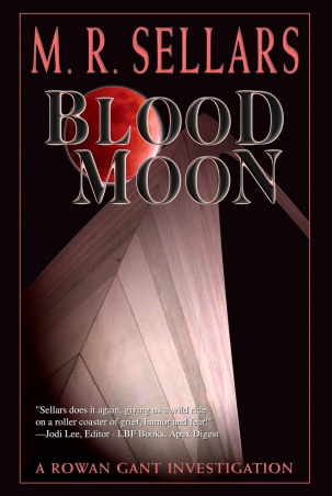 Blood_moon_by_m_r_sellars