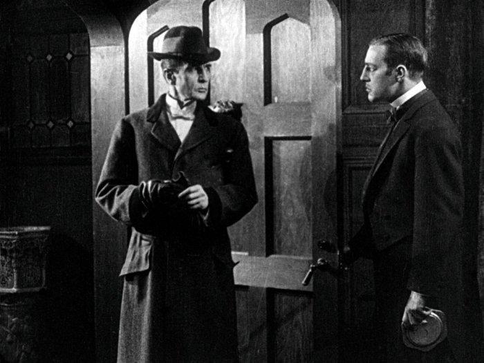 sherlock-holmes-1916-005-butler-admitting-holmes