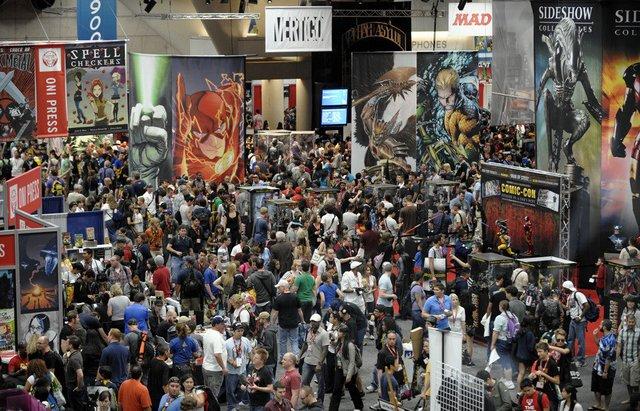 comic-con-exhibitor-hall-floor